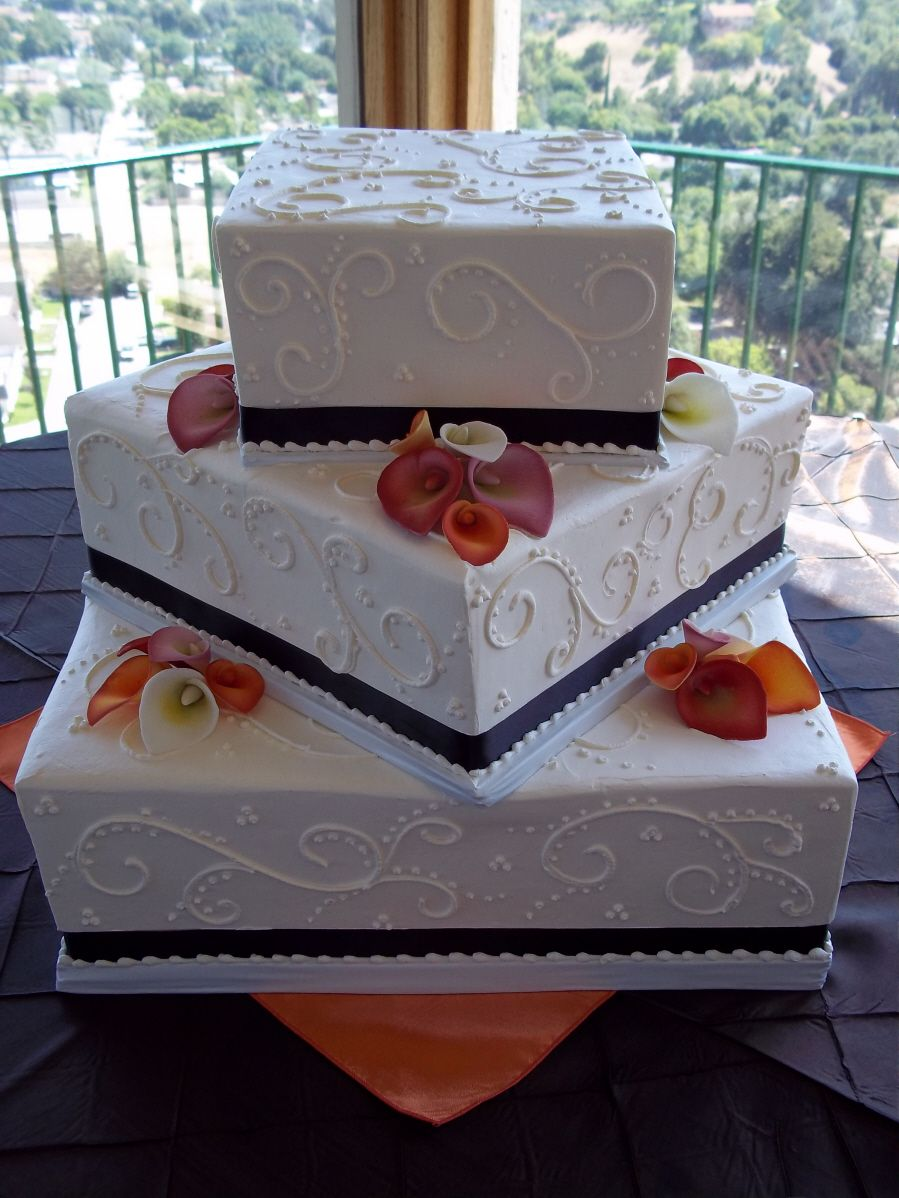 Square Alternating Corners Wedding Cake With Edible Calla Lilies From Michelle S Bakery In Redlands Ca