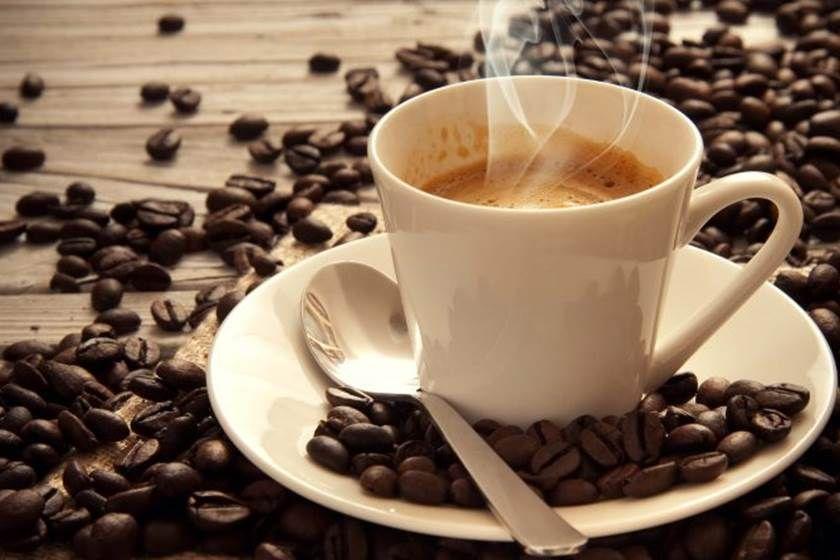 أيهما أفضل لصحتك قهوة سوداء أم بالحليب Fresh Roasted Coffee Coffee Flavor Coffee Drinks