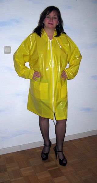 picture gaby from duesseldorf rainwear from kemo real amateurs wearing pvc. Black Bedroom Furniture Sets. Home Design Ideas