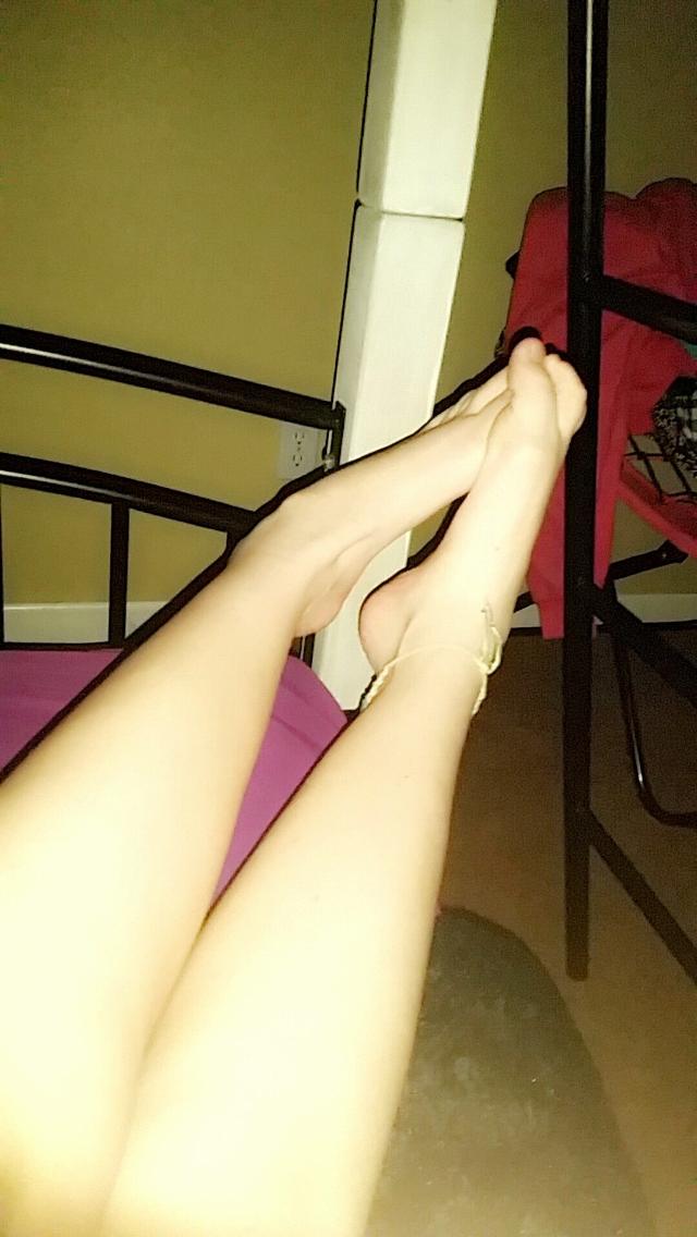 teens pcs feet