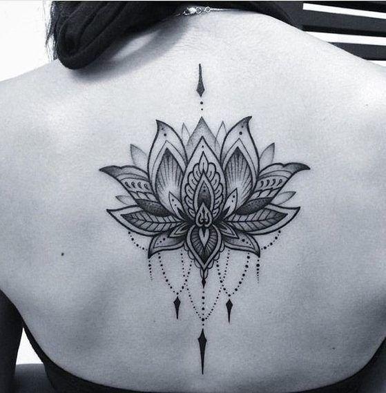 Flor De Loto Tatuaje Mujer