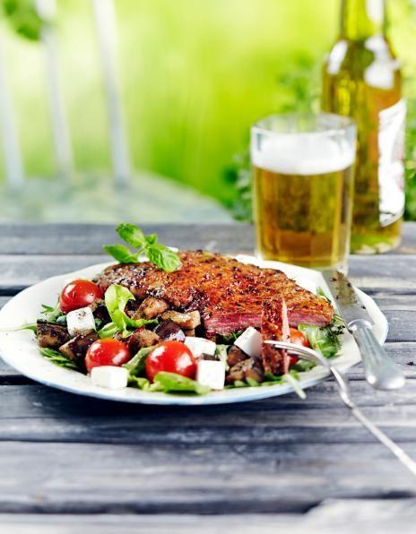 Munakoiso-vuohenjuustosalaatti ja grillipihvit | K-Ruoka #lihareseptit #grillaus #kesä