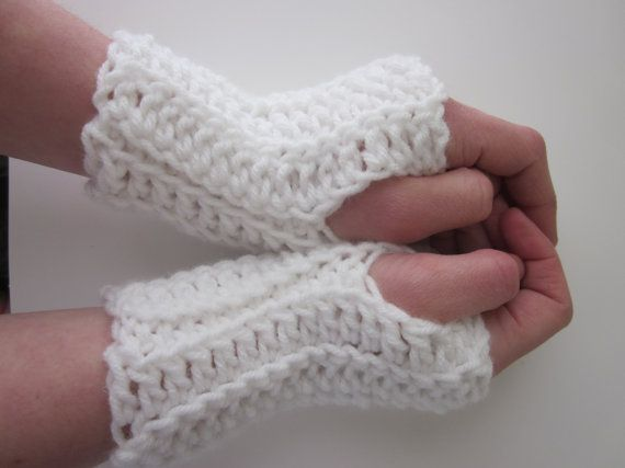 Blanco Fingless guantes mitones de mensajes de por IndyPurlsShop ...