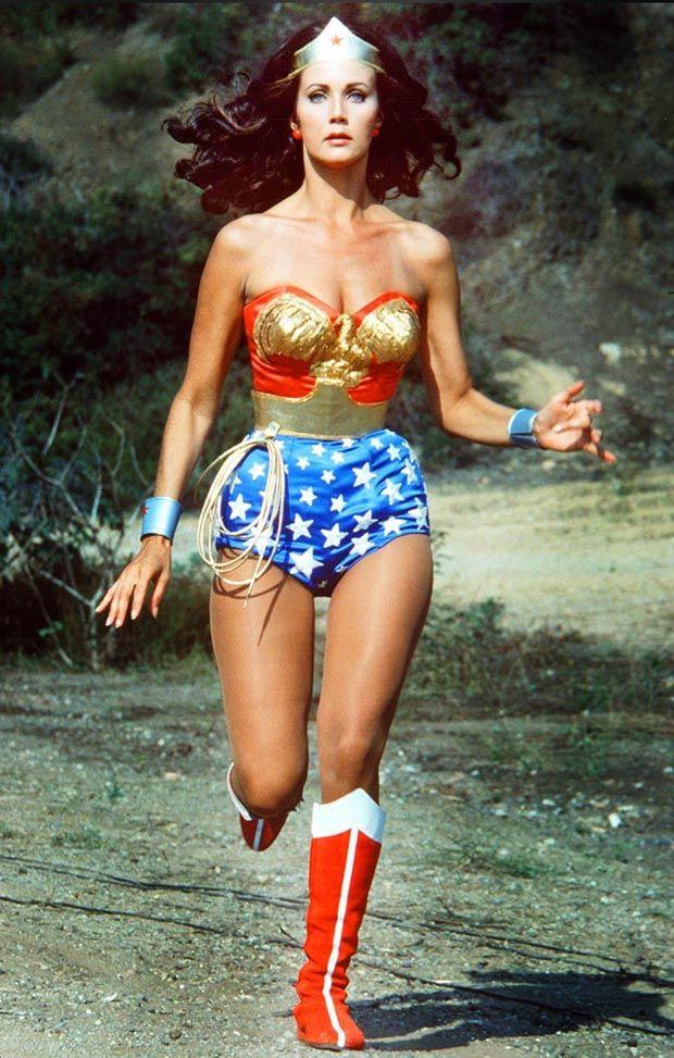 The Original Wonder Woman Lynda Carter Comments On Gal Gadot S New Costume Women Tv Wonder Woman Lynda Carter