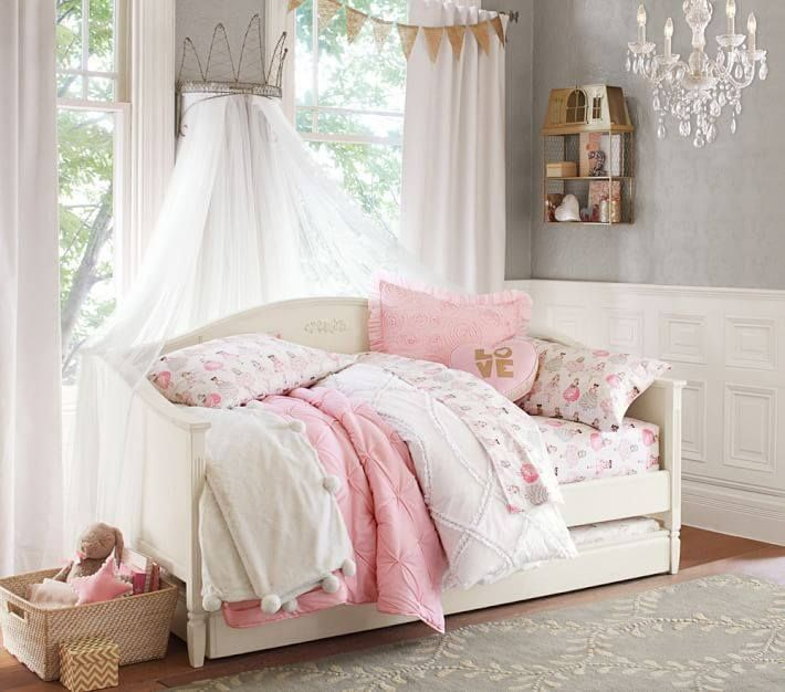 Pin By Adri Sanchez Lara On Canopy Girl Room Bed