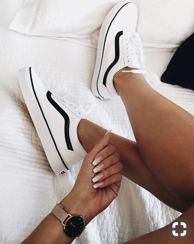 408c37f59da593 Perfect opaque nude nails X white   black classic vans sk8s