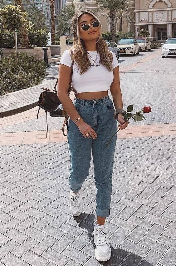 34 Cute Casual Outfits with White Sneakers   Spring Outfits Ideas   Best white Sneakers outfits