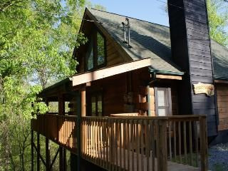 Treetops Cabin Sevierville Tn At Douglas Lake Cabins In Sevierville Sevier County Tripadvisor Cabin Rentals Cabin Lake Cabins