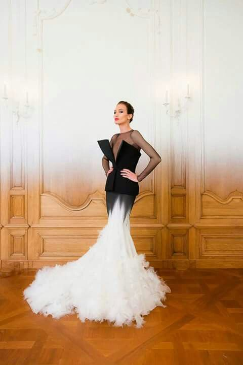 Black&white wedding dress. Why not?