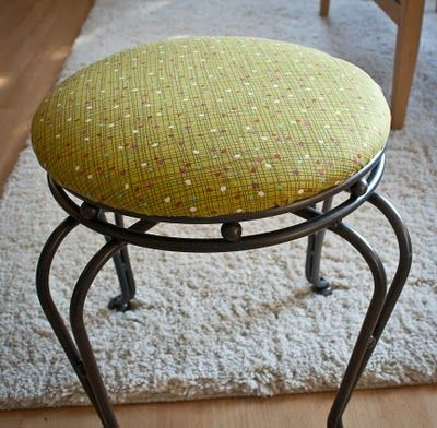 Knit Nat: How to Upholster a Padded Stool
