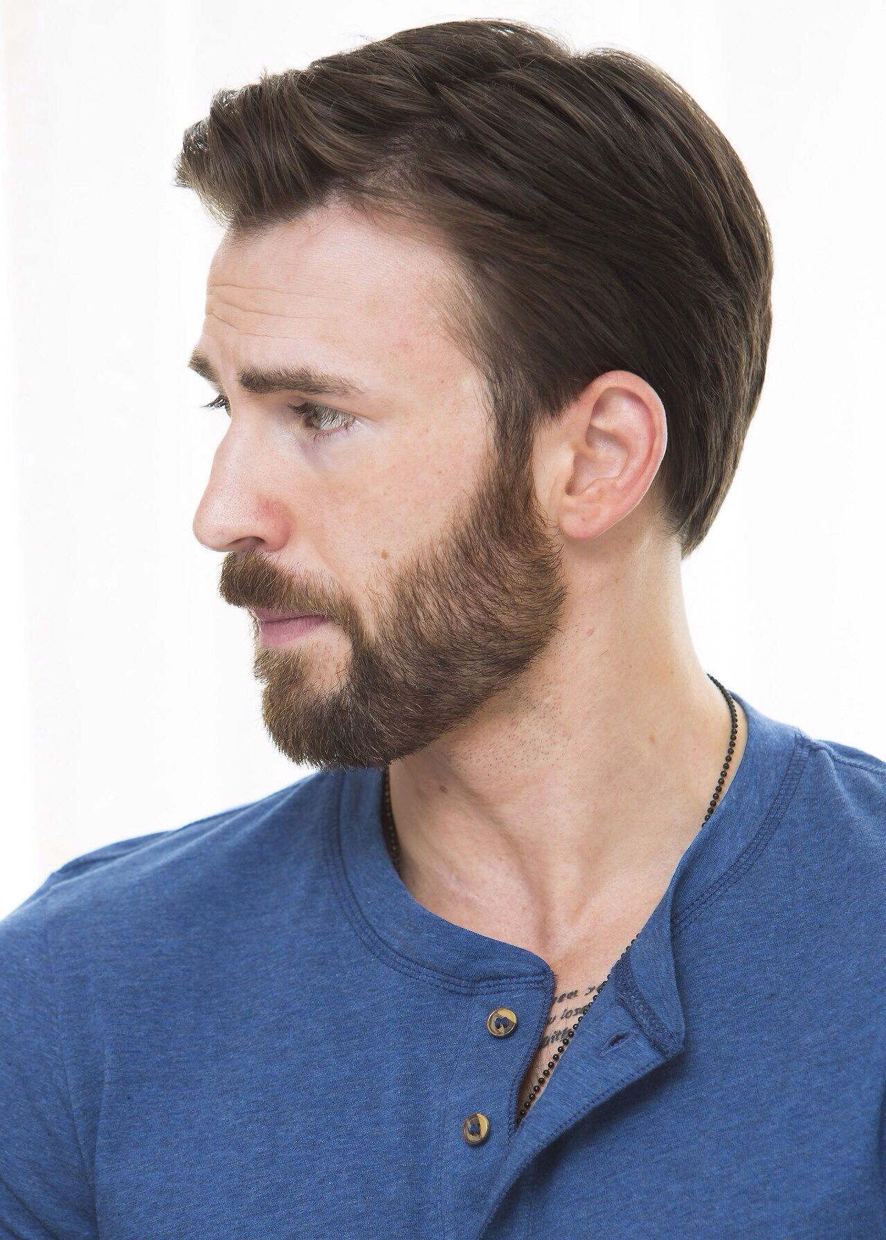Super Into Chris Evans Now A Days It S All About The Beard