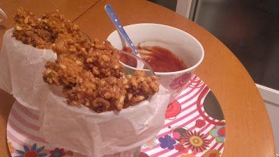 ¡Ajo y agua!: Pollo empanado en crujiente de kikos con salsa bar...
