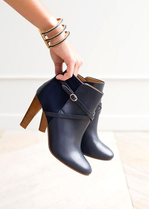 Bottines High Yvonne    Lookbook Capsule Octobre - www.sezane.com  sezane… 62fcbf8903ea