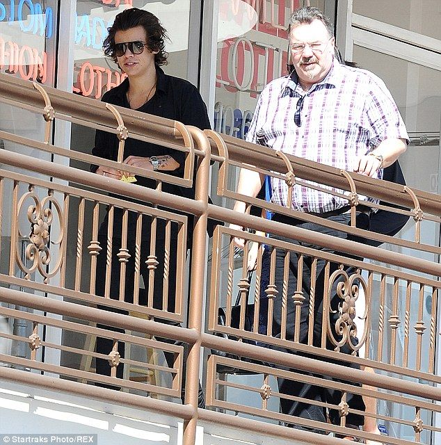Harry Styles has lunch in LA... without rumoured love