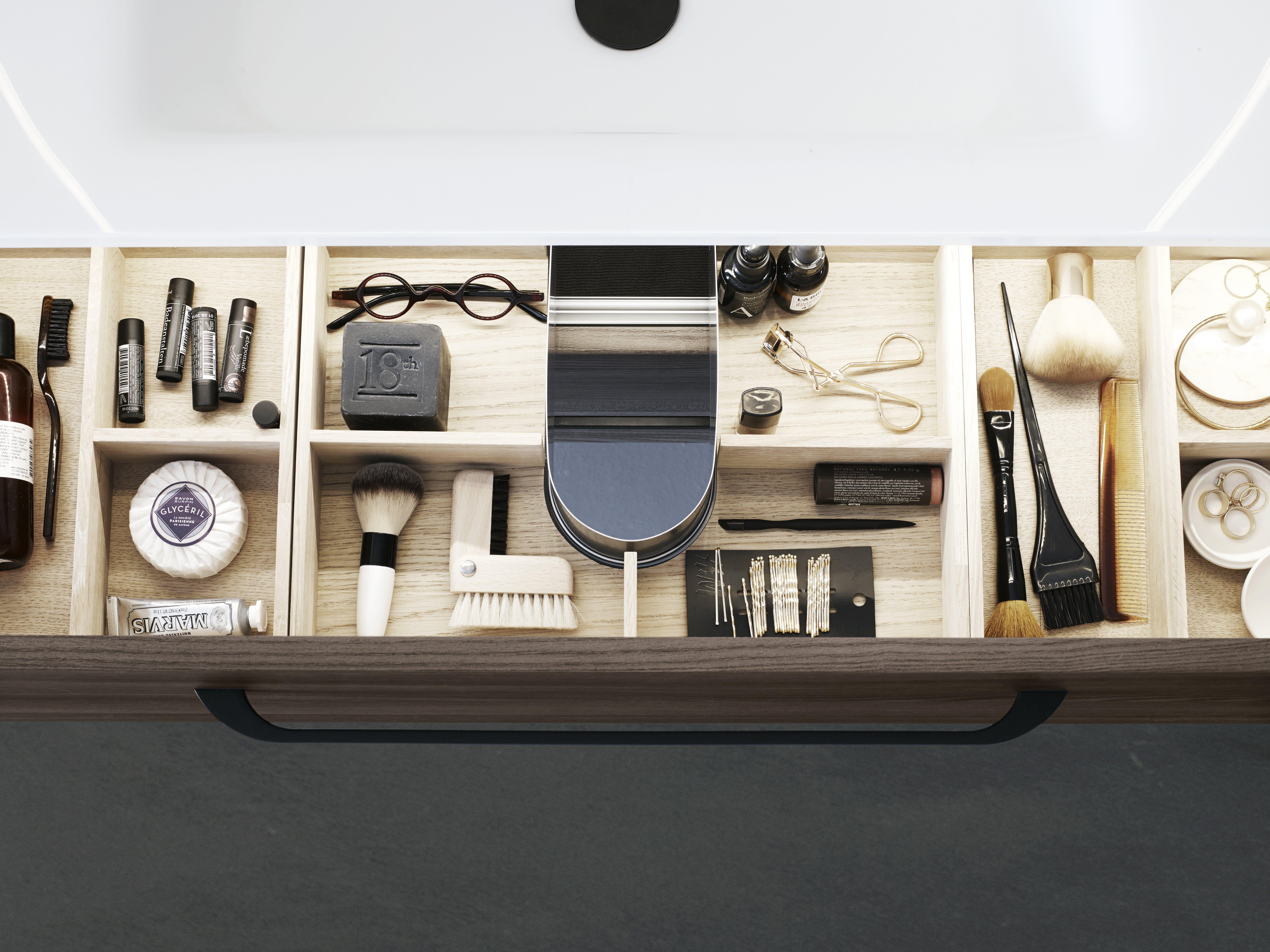 Photo of Denne oversiktlige skuffeinnsatsen tilhører møbelsettet Dansani Inzo 100 cm, m…