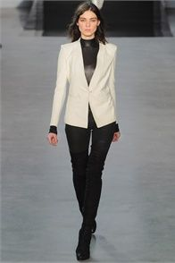 Fall Winter 2012-13 Helmut Lang, New York.  - click on the photo to see the complete collection and review on Vogue.it