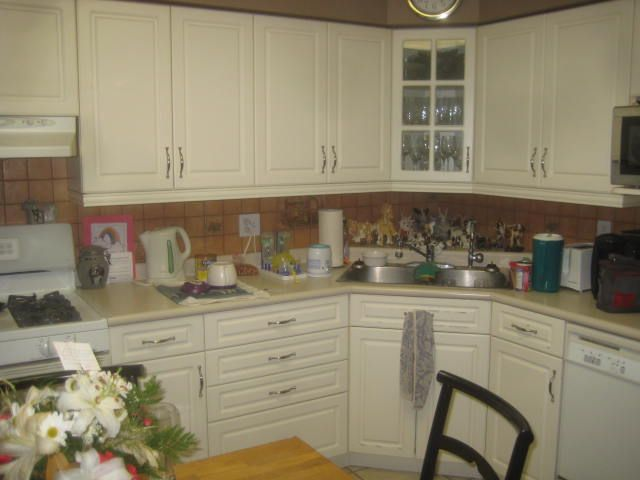 We Changed The Cabinet Doors On This Older Kitchen In Guelph