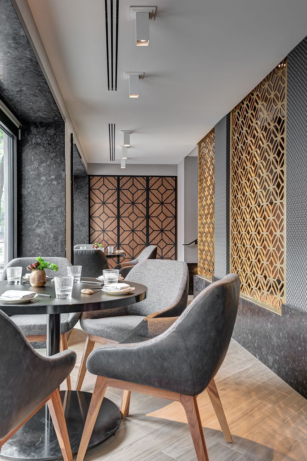 Kasa Moto is a contemporary Japanese restaurant that pays homage to the ancient ideals of wabi (transient and stark beauty), sabi (the beauty of natural patina and aging) and yūgen (profound grace and subtlety).