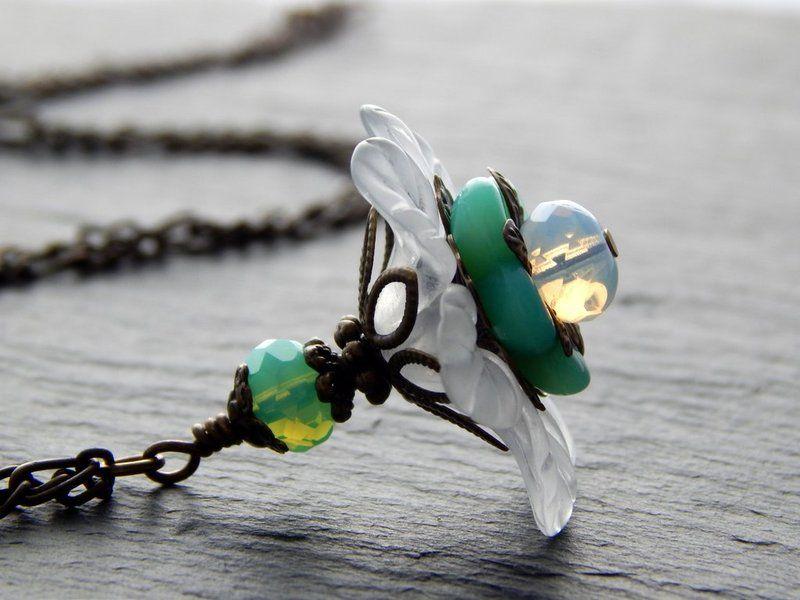 Kette - Blütenzauber in Mint & Weiß von Perlenfontäne auf DaWanda.com