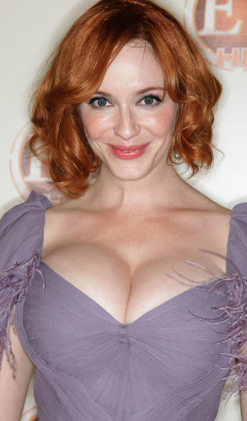 46 Photos Of Christina Hendricks In Honor Of National Cleavage Day ...