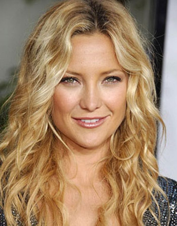 Medium Haircuts For Round Faces Curly Hair