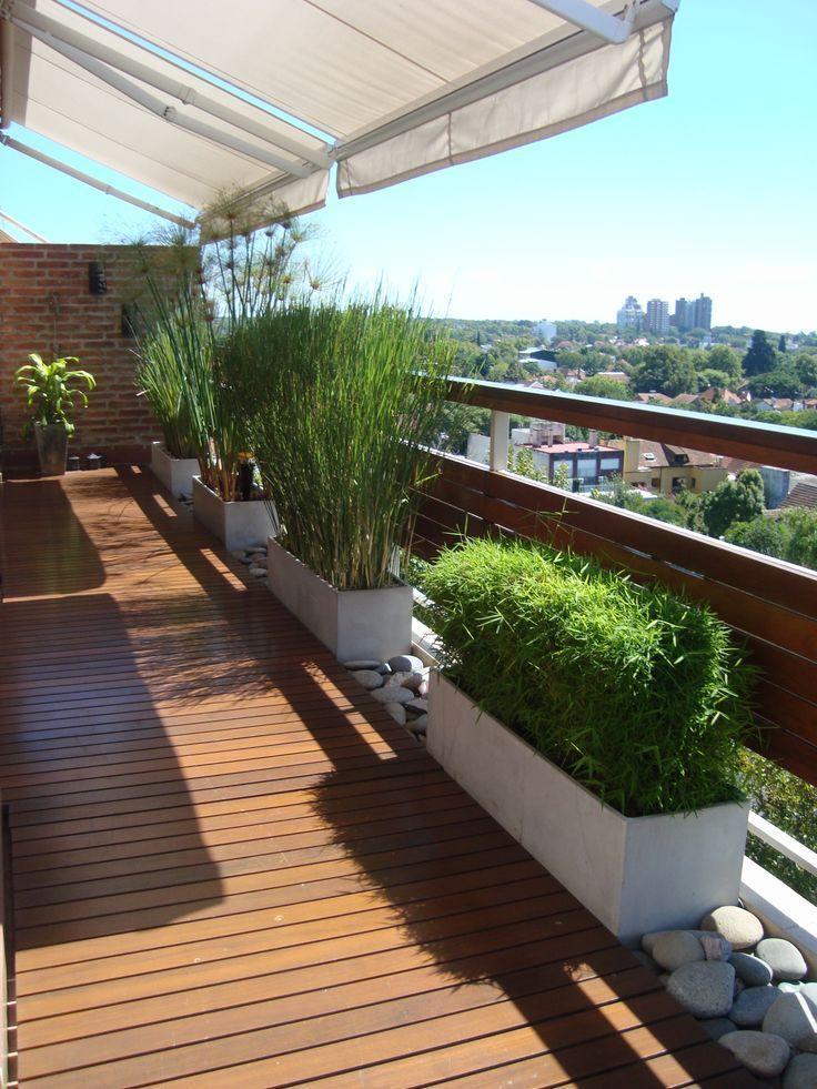 Die Felsen zwischen den Pflanzgefäßen bedeuten weniger zu kaufende Pflanzgefäße und mehr Platz zum Anlehnen #balconyplanters
