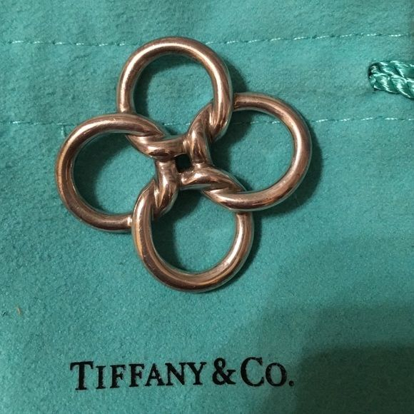 Tiffany co elsa peretti quadrifoglio pendant elsa peretti tiffany co elsa peretti quadrifoglio pendant tiffany co authentic elsa peretti sterling mozeypictures Gallery