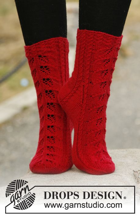 February is #Sockalicious! Knitted DROPS socks with lace pattern in ...