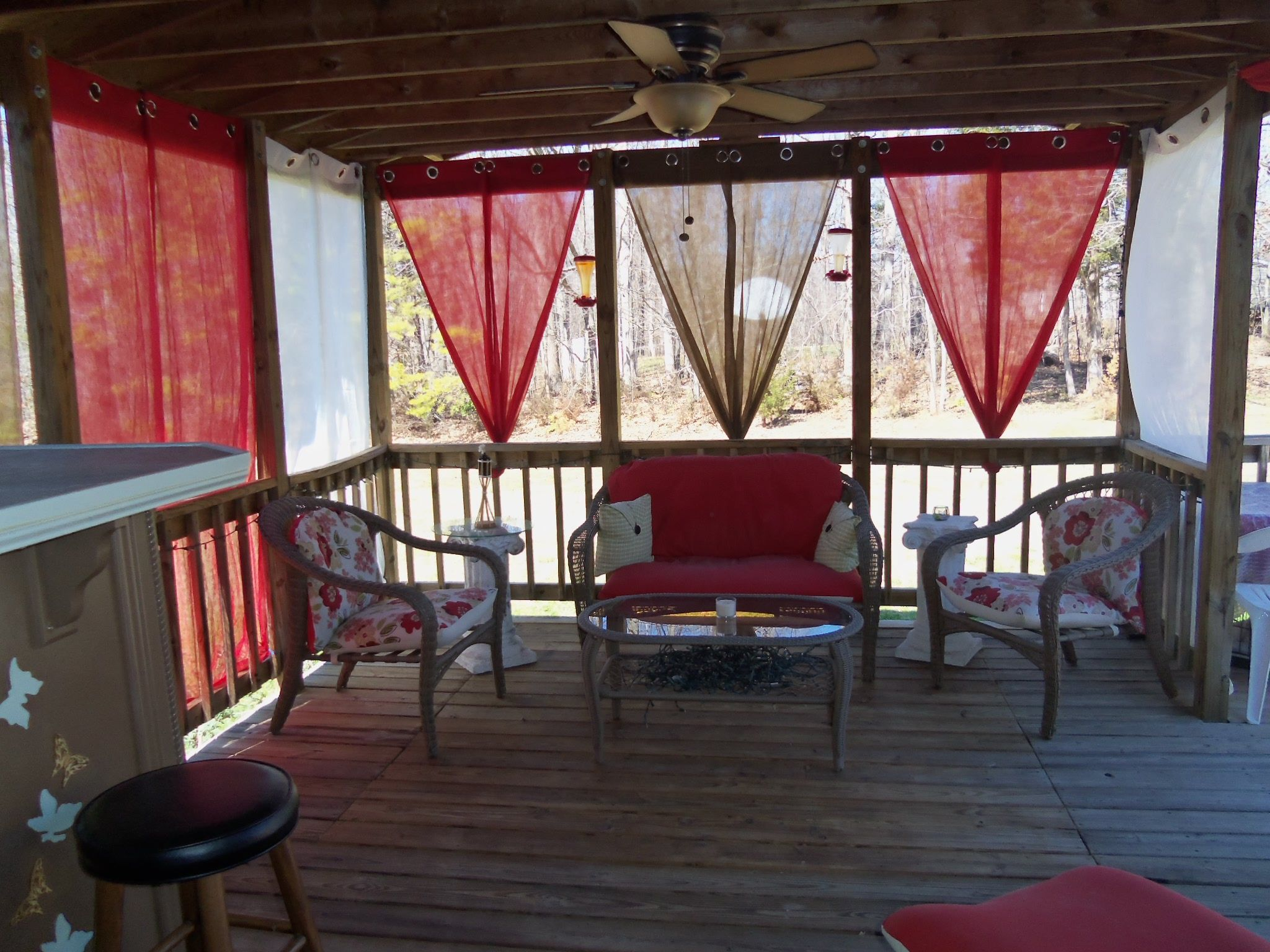 new covers on an old reclaimed patio set, sewed zippers into all of them so i can wash them easyer