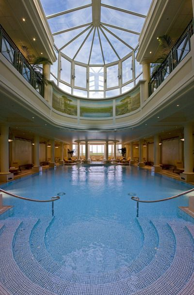 The swimming pool connects the Guerlain Imperial Spa to the Hotel du - Chambre De Commerce Francaise Maroc
