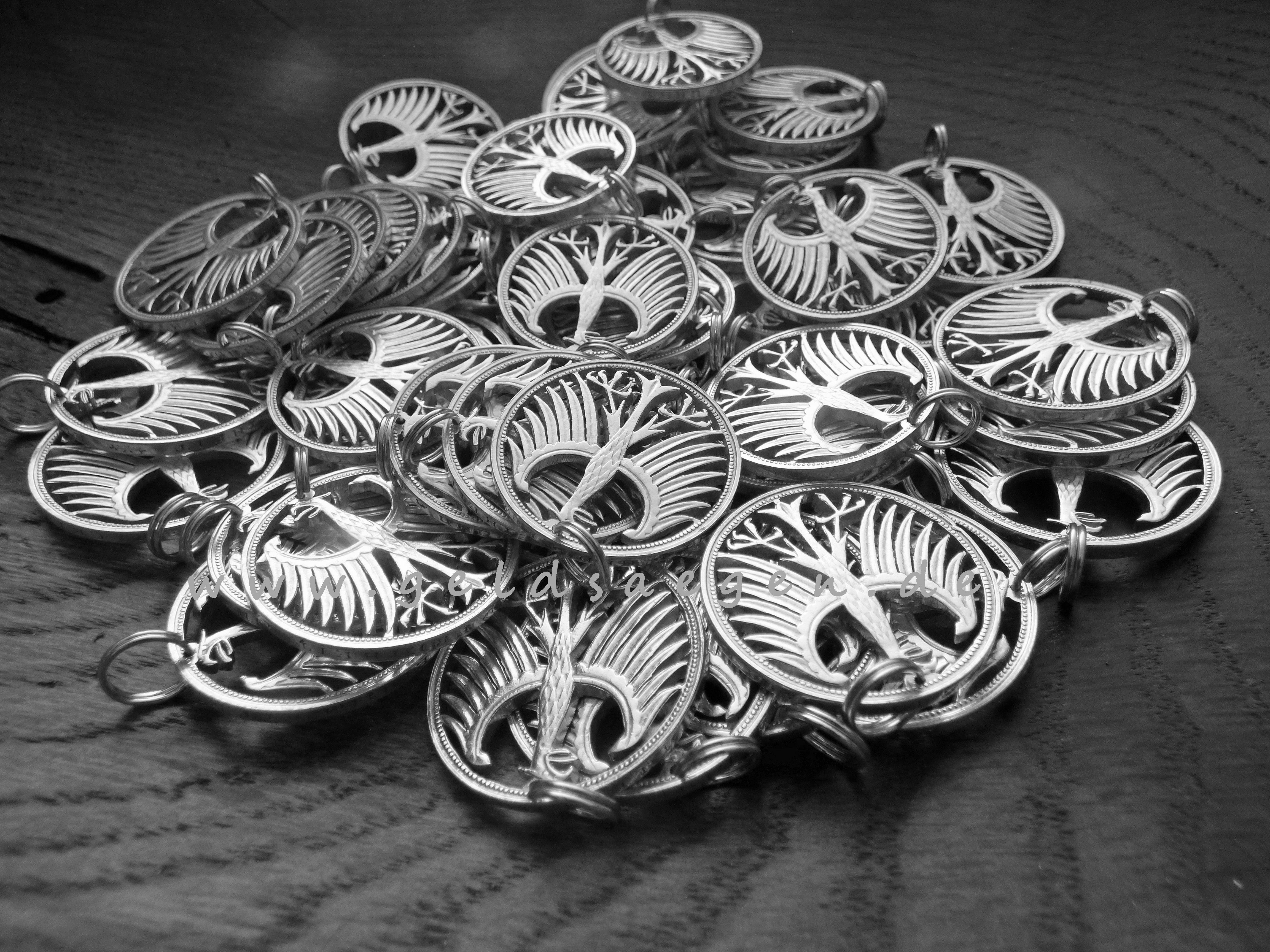 Pin auf Cutcoins cut coins coincutter