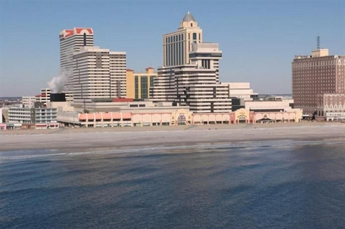 Tropicana Casino And Resort Atlantic City Compare Deals Atlantic City Vacation Getaways Casino Resort