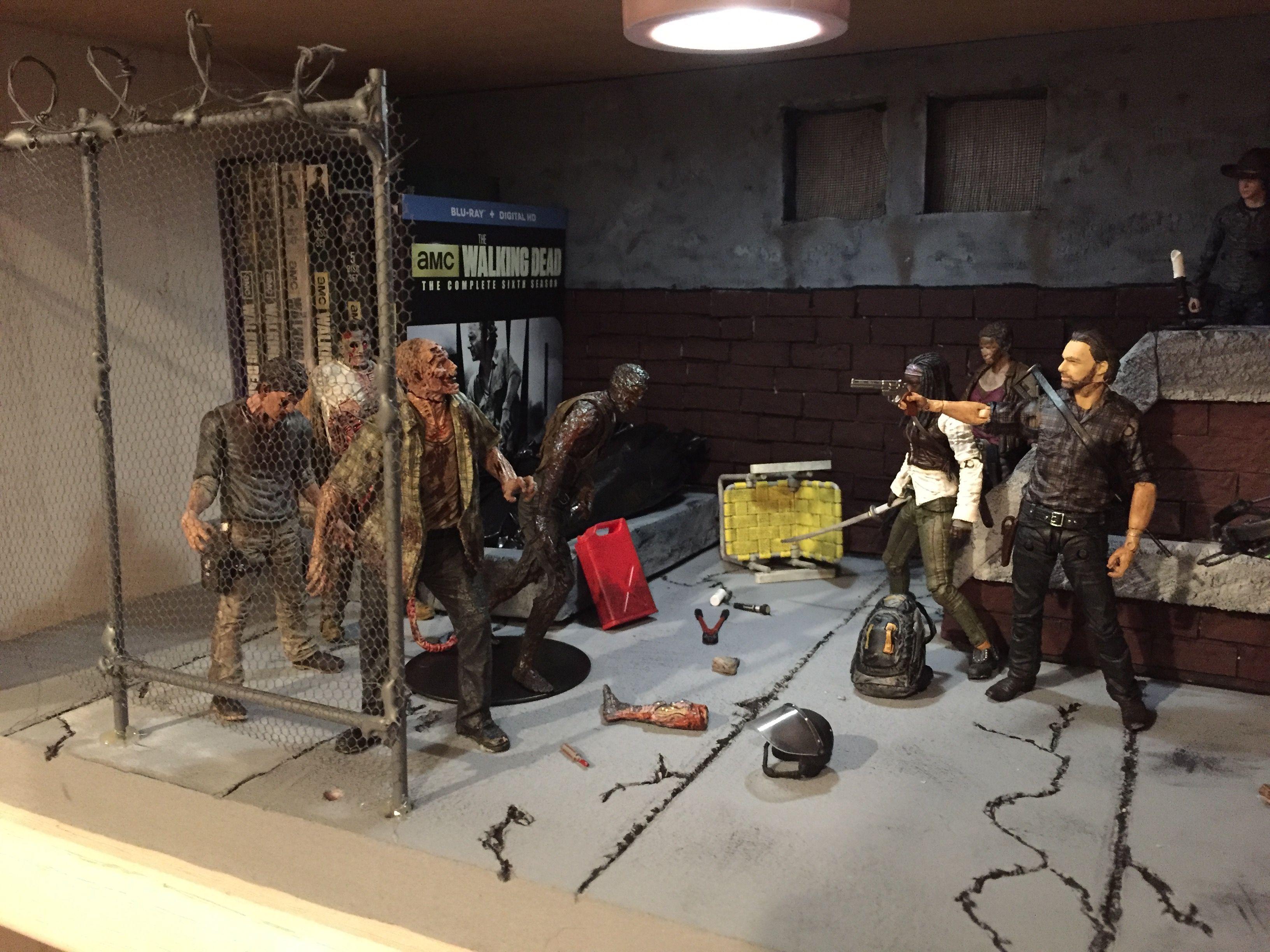 The Walking Dead Custom Diorama Blu-ray Display Case | Custom Action