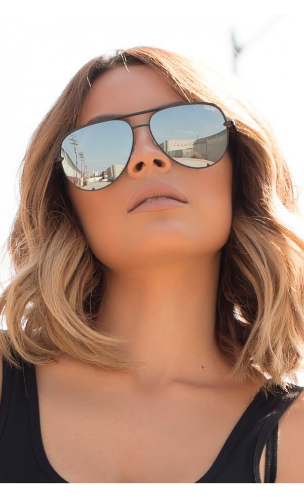 f9f489b92d6be9 Desi Perkins wearing High Key Sunglasses in Black.  quay  desiperkins   fabfashionfix  aviators  sunglasses  quayaustralia