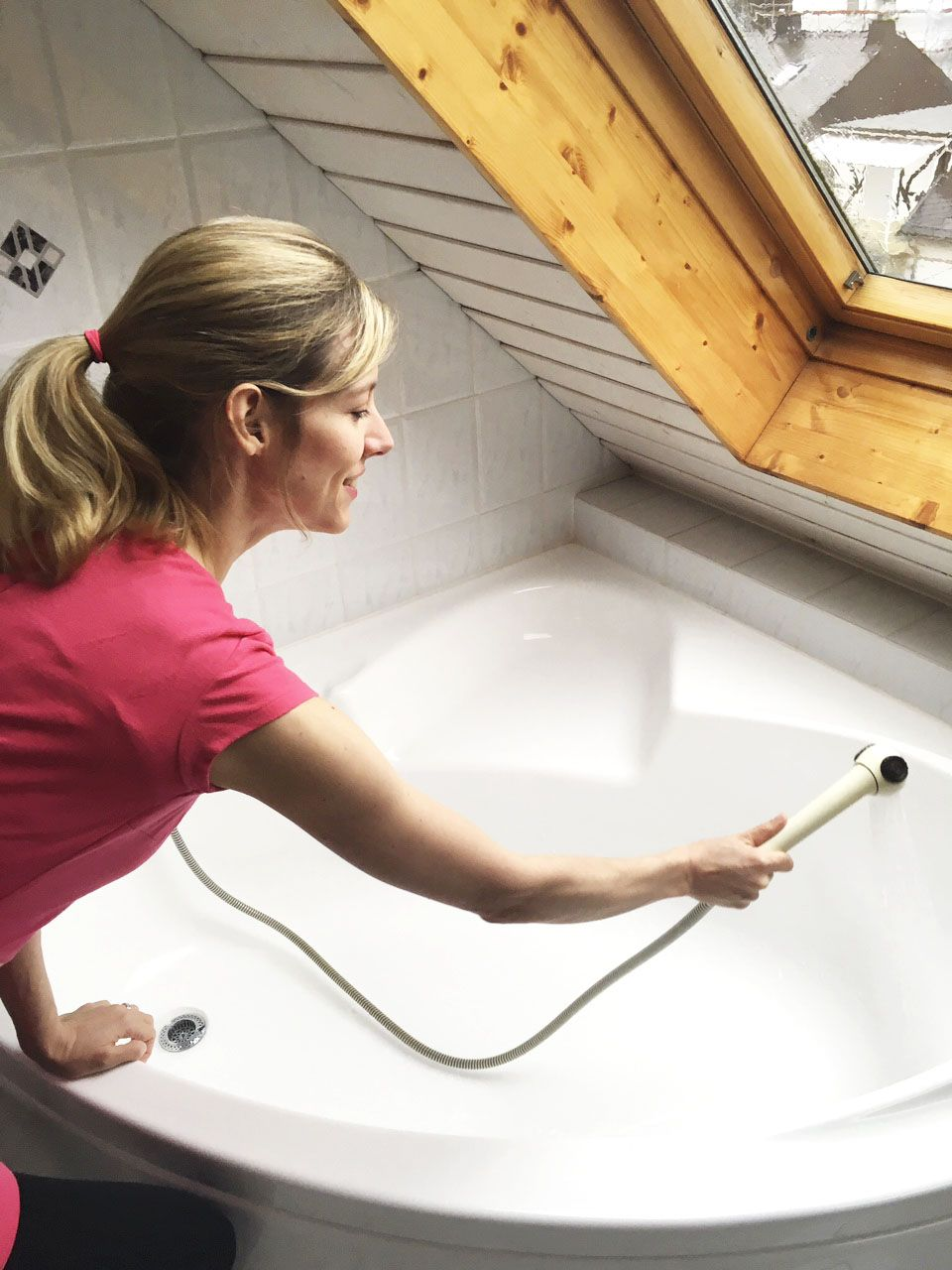 Badewanne Putzen Die Besten Tricks Badewanne Badewanne Reinigen Baden