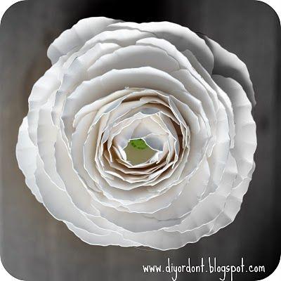 Diy Or Don T Tutorial Paper Ranunculus Flower Free Download Paper Flower Tutorial Flower Diy Crafts Diy Flowers