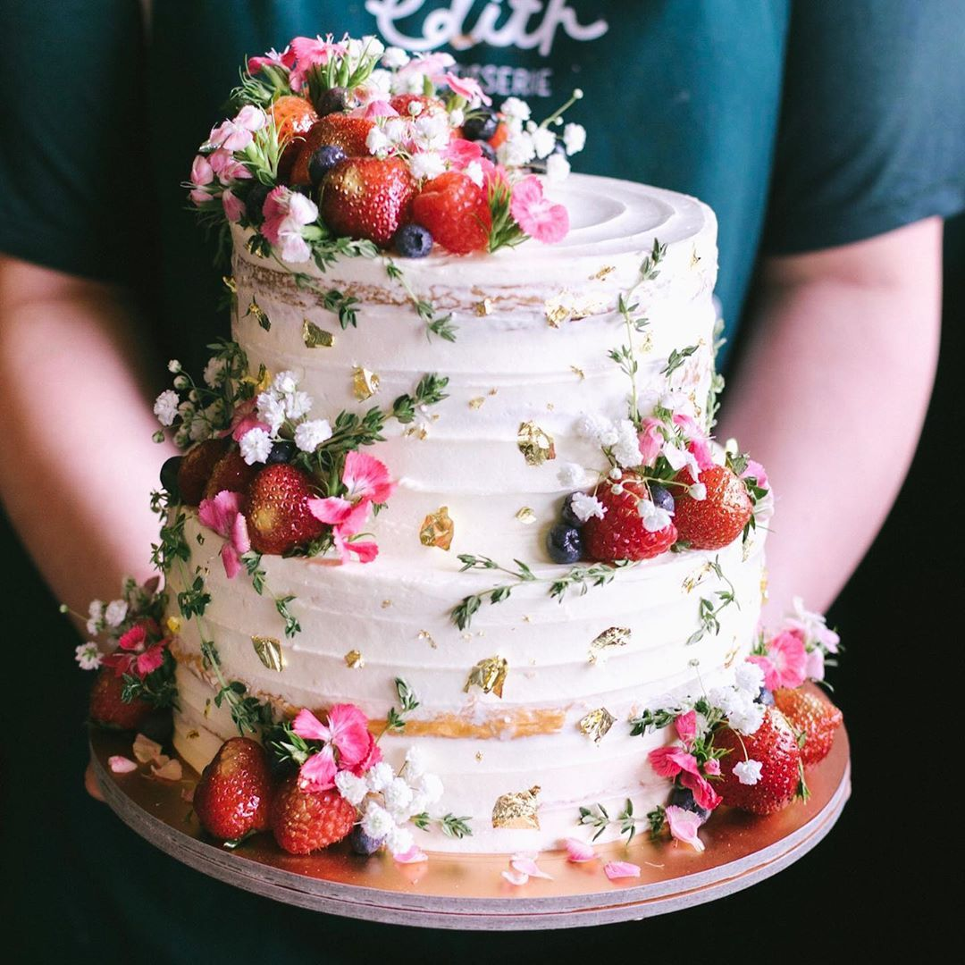 Wedding Cake Recipe Custom History: Too Pretty 😍 Our Rustic Floral Berry Cake With Sprigs Of