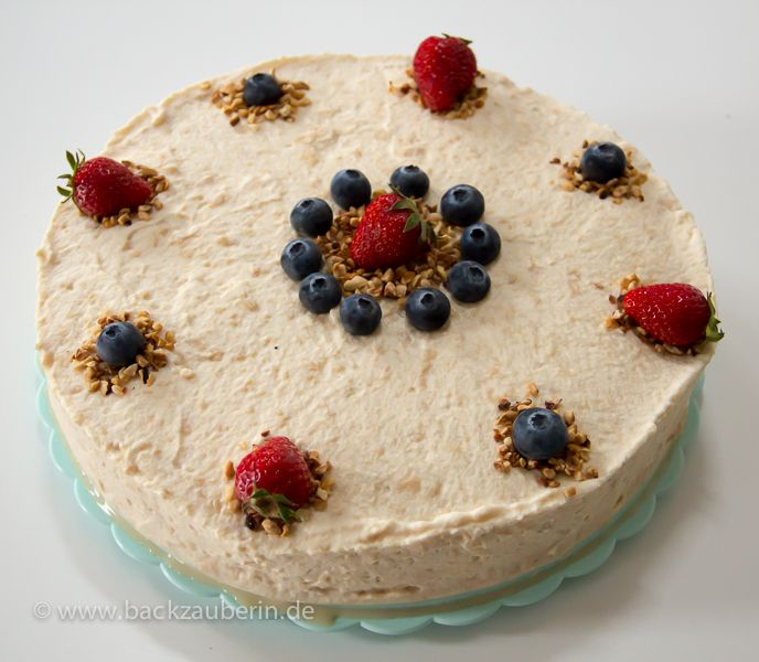 Baileys-Torte/irish cream liqueur cake. Zum Rezept/Find the recipe here: http://www.backzauberin.de/kuchen-torten/baileys-torte/