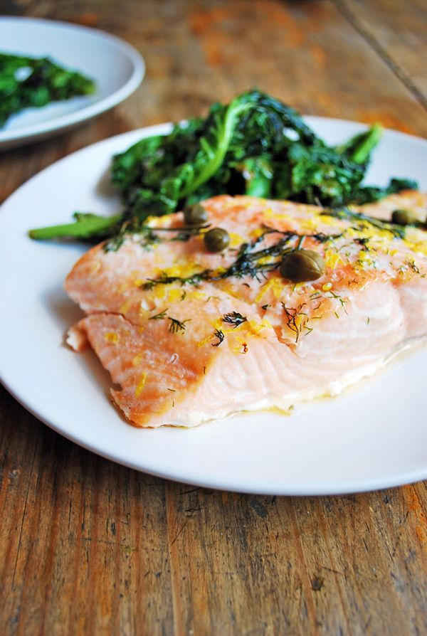 Esta receta es una forma realmente sencilla de cocinar salm n con un poco de lim n eneldo y - Formas de cocinar salmon ...