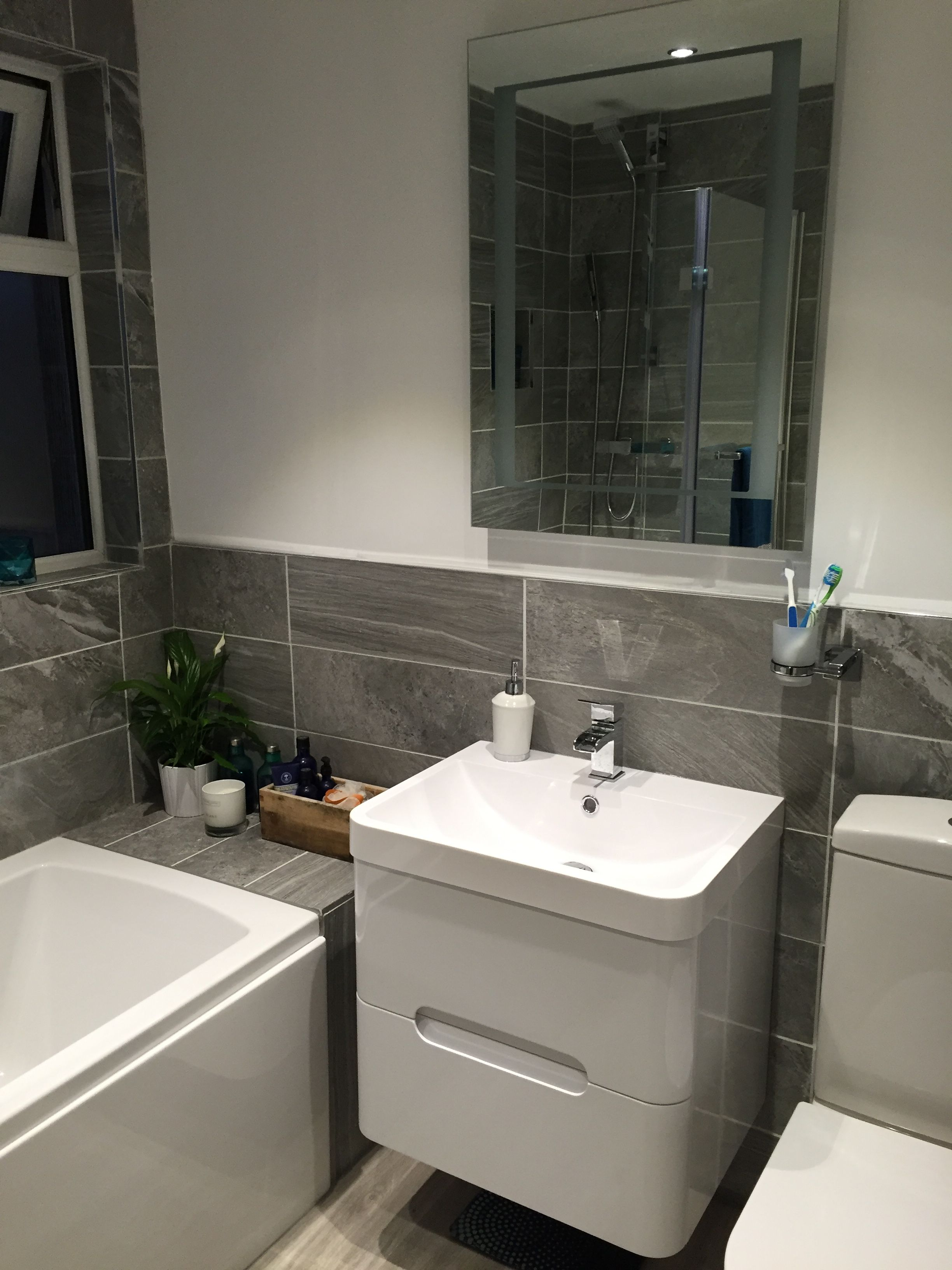 Mode Ellis white wall hung vanity drawer unit and basin ...