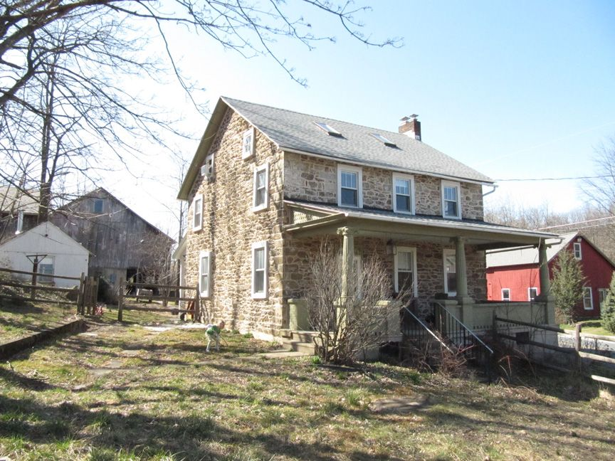 Historic stone farmhouse for sale in the lehigh valley for Pennsylvania stone farmhouses