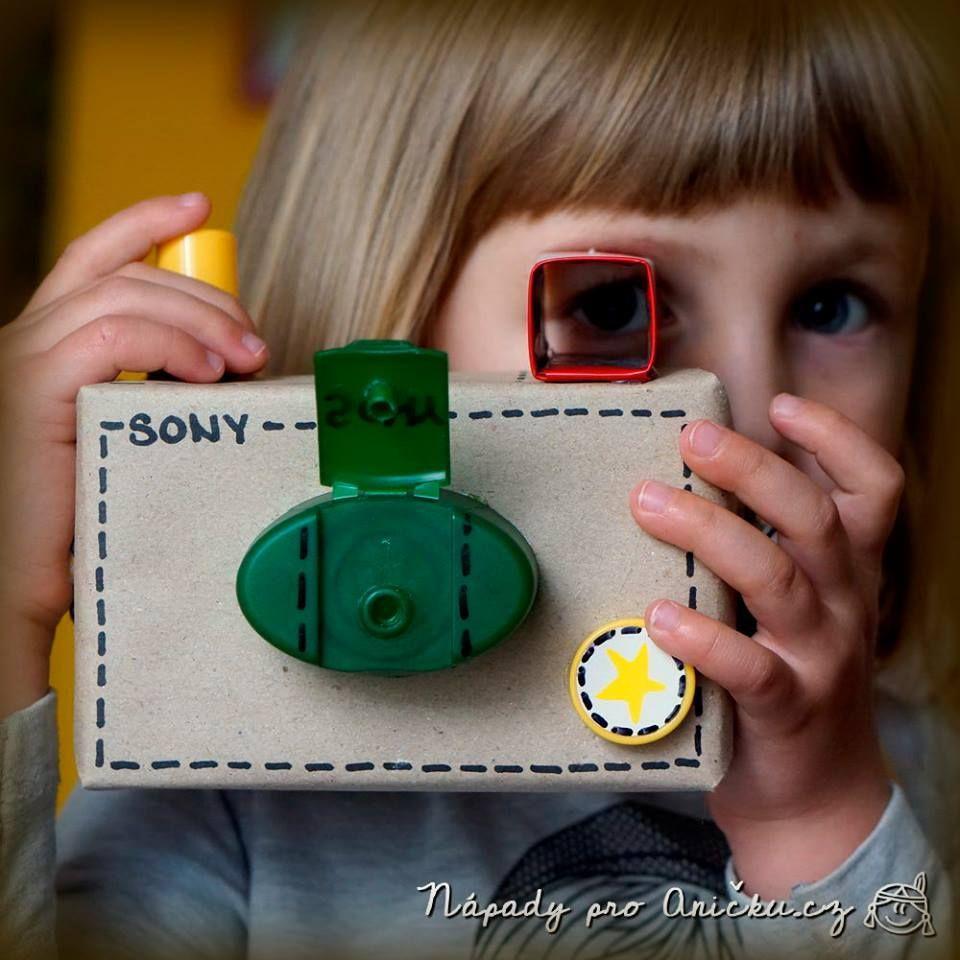 Maak je eigen fototoestel van karton :D  Gevonden op https://www.facebook.com/pages/Dobr%C3%A9-rady-a-n%C3%A1pady/228174480558394?fref=photo