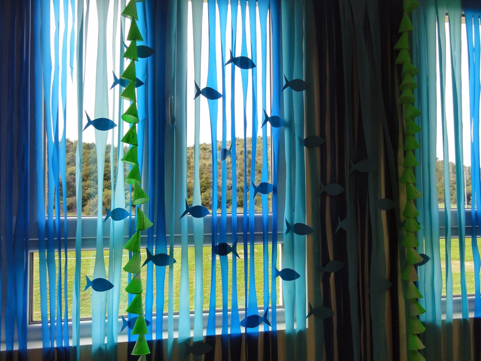 Classroom Window Decor : This post is full of ideas for the ocean classroom theme