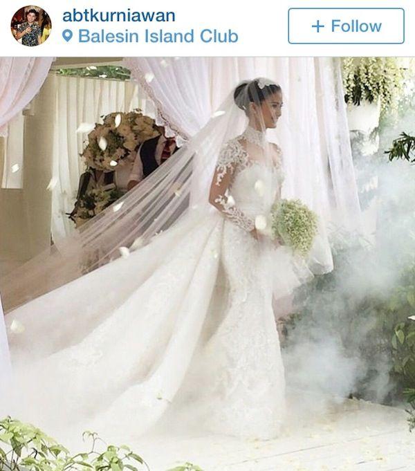 Celebrity Wedding Chiz Escudero And Heart Evangelista Lace Wedding Dress Vintage Wedding Dresses Wedding Gowns Mermaid