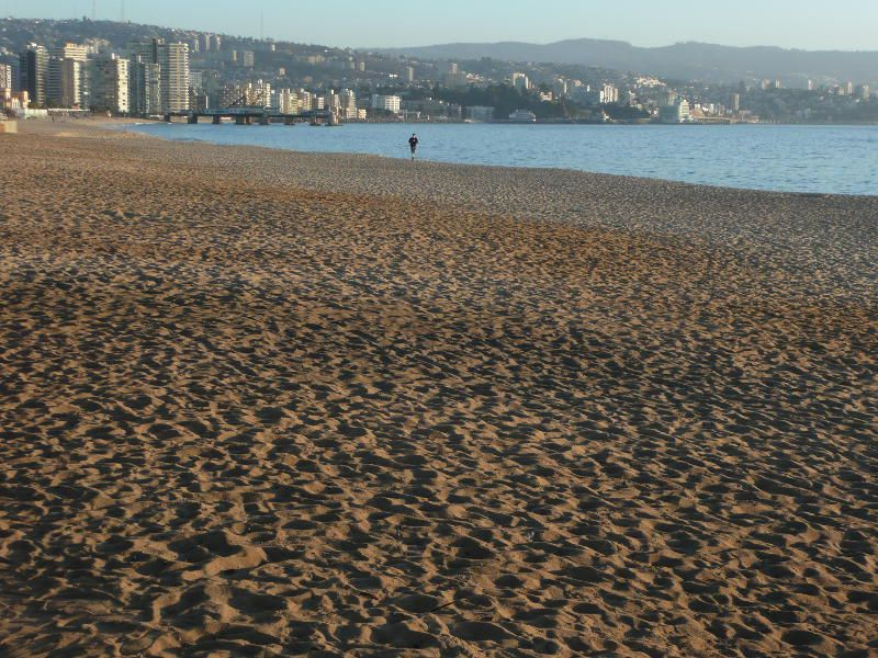 Wer in Viña del Mar oder Valparaíso verweilt und eine gute Laufstrecke sucht, der findet diese direkt am Pazifischen Ozean zwischen Viña und Reñaca. Auf der einen Seite der unendliche Ozean, auf der anderen Seite die Häuser beider Küstenorte.