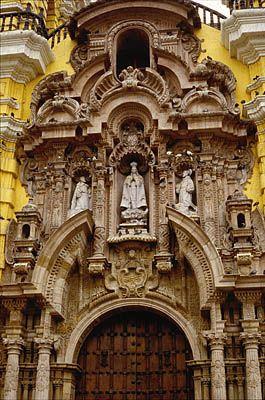 Facade, La Iglesia y Convento de San Francisco, Lima.  Photo: Mylene d'Auriol Stoessel.