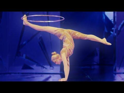 Disfruta De Este Magnífico Espectáculo Nombrado Alegría Del Cirque Du Soleil Contempla A Los Maravillosos Acróbatas Realiz Cirque Du Soleil Alegria Cantares