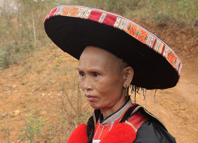 Vietnam's ethnic minorities. Red Dao woman. The Dao live along the Sino-Vietnamese and Vietnamese-Lao borders and in some midland provinces and provinces along the coastline of northern Vietnam.