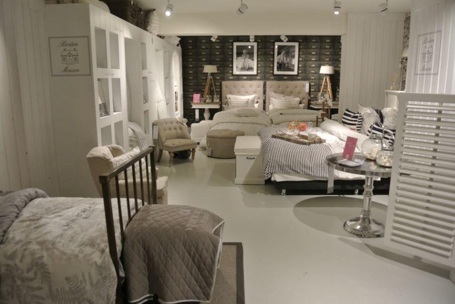 Badkamer rekje badkamer ontwerp idee n voor uw huis samen met meubels die het - Eigentijdse badkamerkast ...