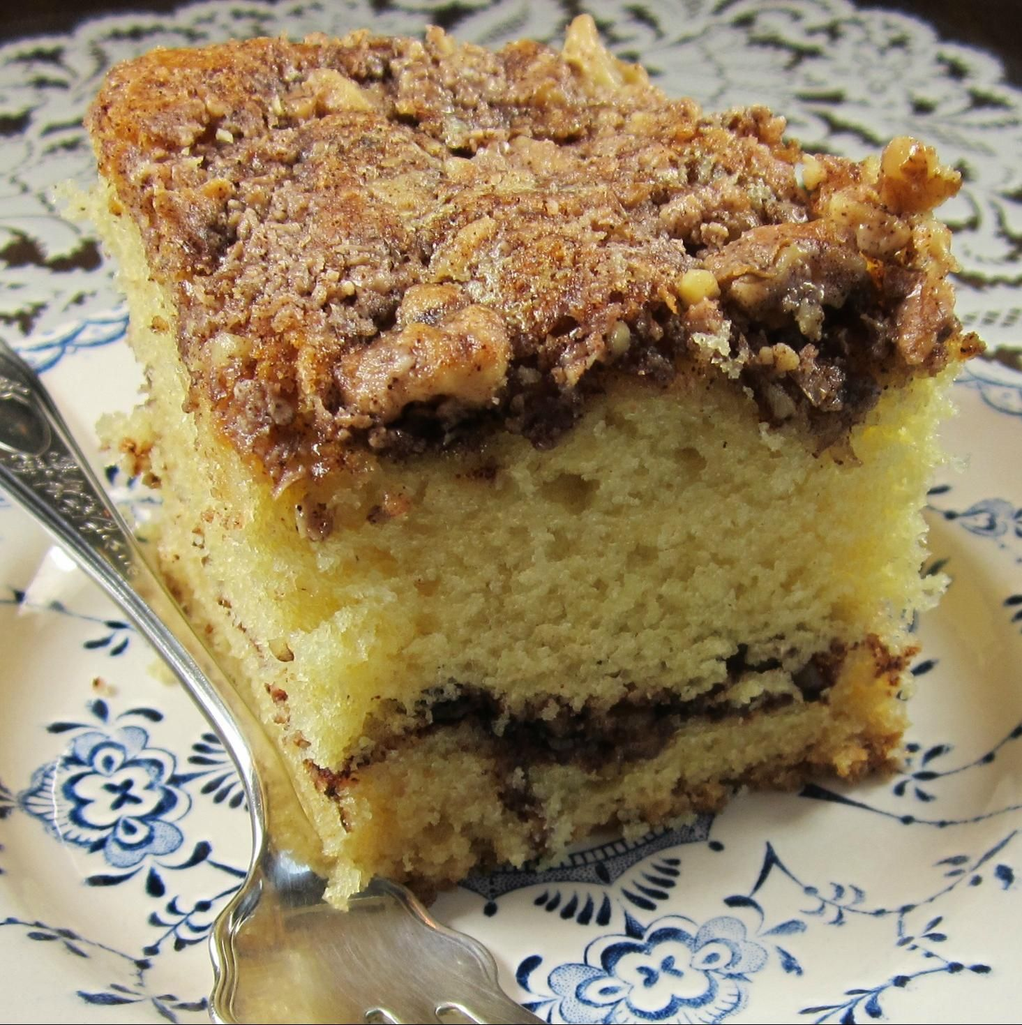 Walnut Sour Cream Cake Recipe Sour cream cake, Moist